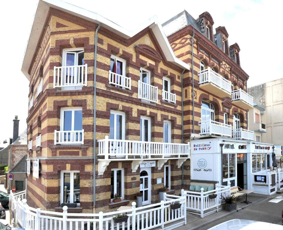 Hotel le rayon vert criquetot l 39 esneval book your for Hotels etretat