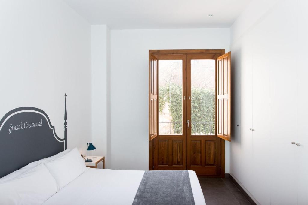 Val ncia centre torres de quart valencia reserva tu for Habitaciones familiares valencia
