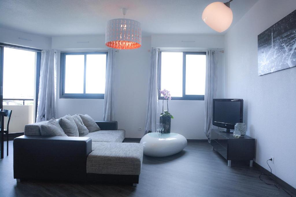 Appartement de charme bordeaux cauderan locations de for Appartement bordeaux cauderan location
