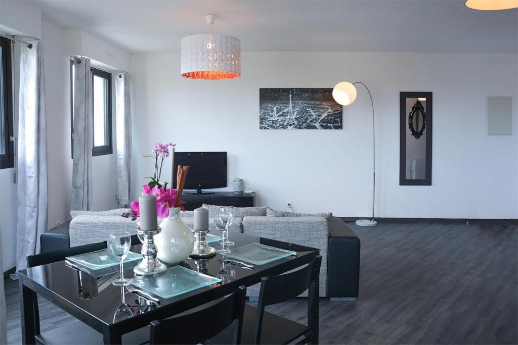 Appartement de charme bordeaux cauderan locations de for Appartement bordeaux vacances