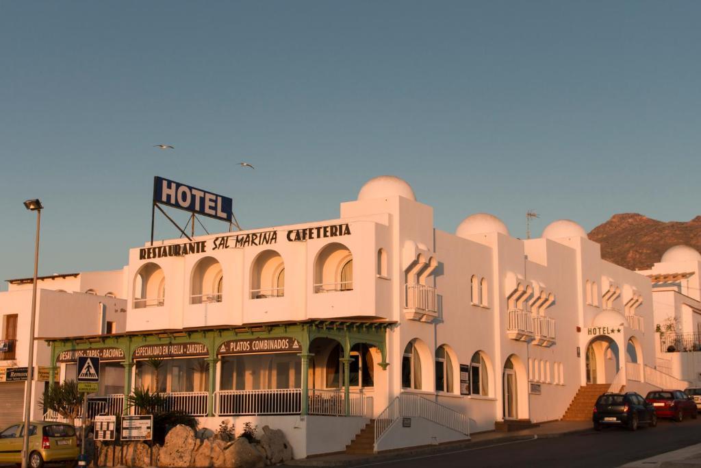 Hotel Restaurant Du Commerce Les Sal