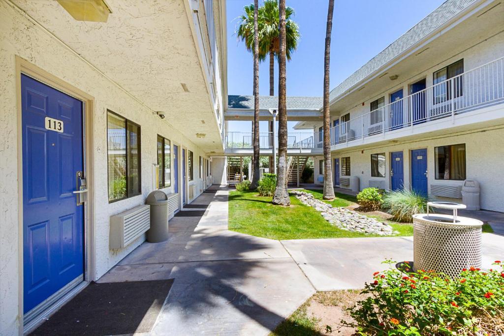 motel 6 mesa south mesa online booking viamichelin. Black Bedroom Furniture Sets. Home Design Ideas