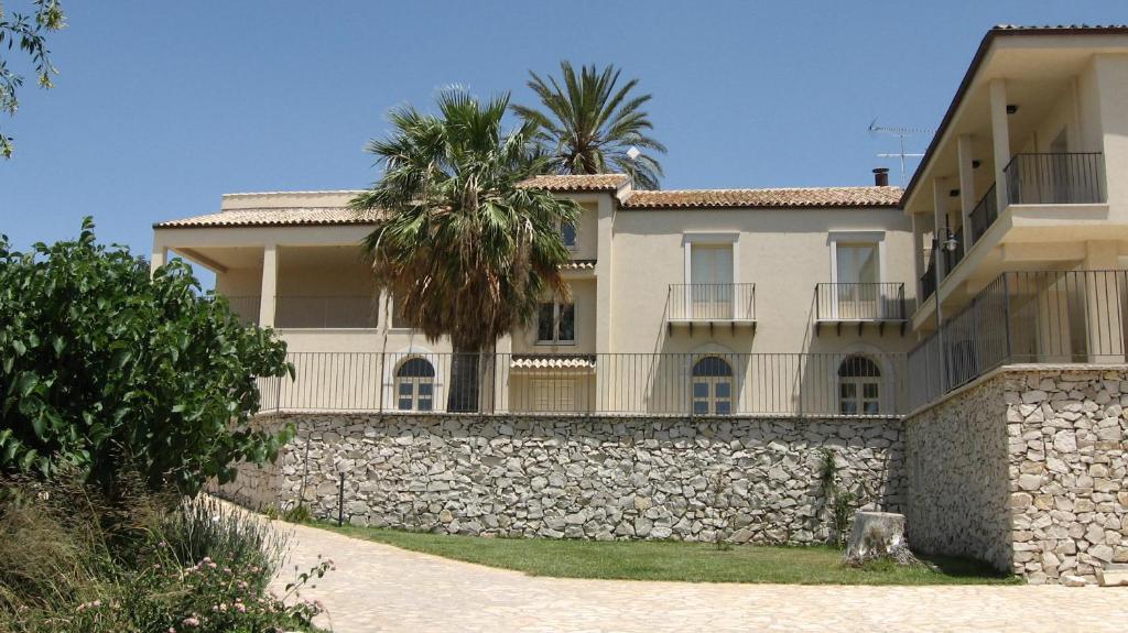 Hotel Villa Peretti A Gela