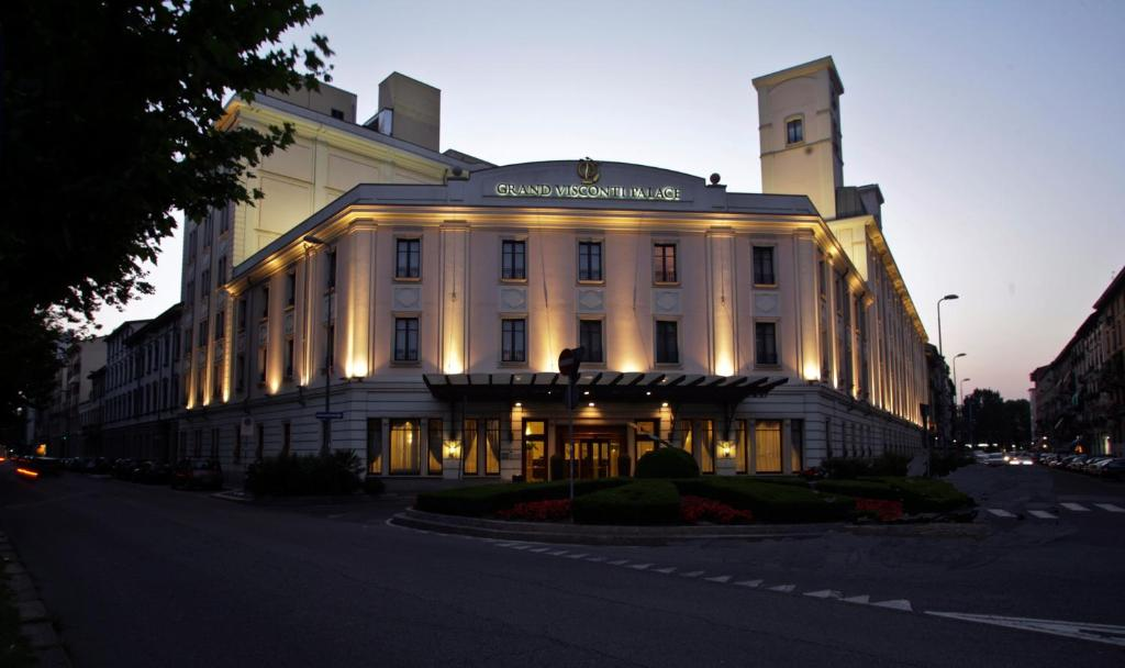 Grand visconti palace milan book your hotel with for Visconti palace hotel