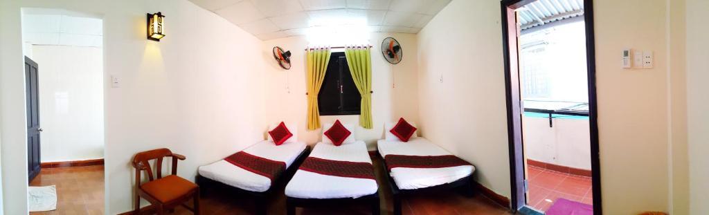 Giường trong Phòng ngủ Tập thể cho cả Nam và Nữ