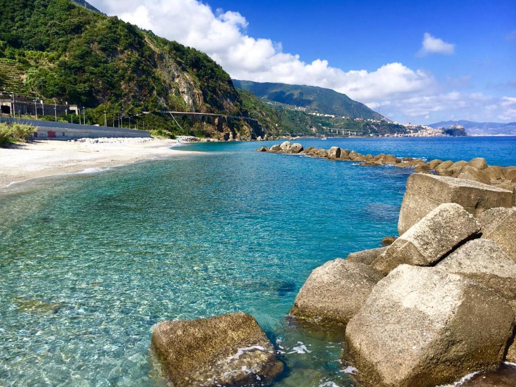 Hotel scilla scilla prenotazione on line viamichelin for Piani di casa sulla spiaggia su palafitte