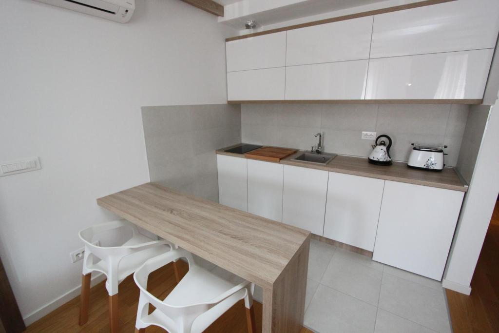 New belgrade apartments magnetic r servation gratuite for Kitchen 713 reservations