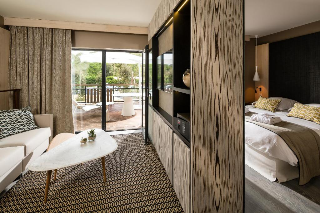 hotel les bains d 39 arguin by thalazur arcachon. Black Bedroom Furniture Sets. Home Design Ideas
