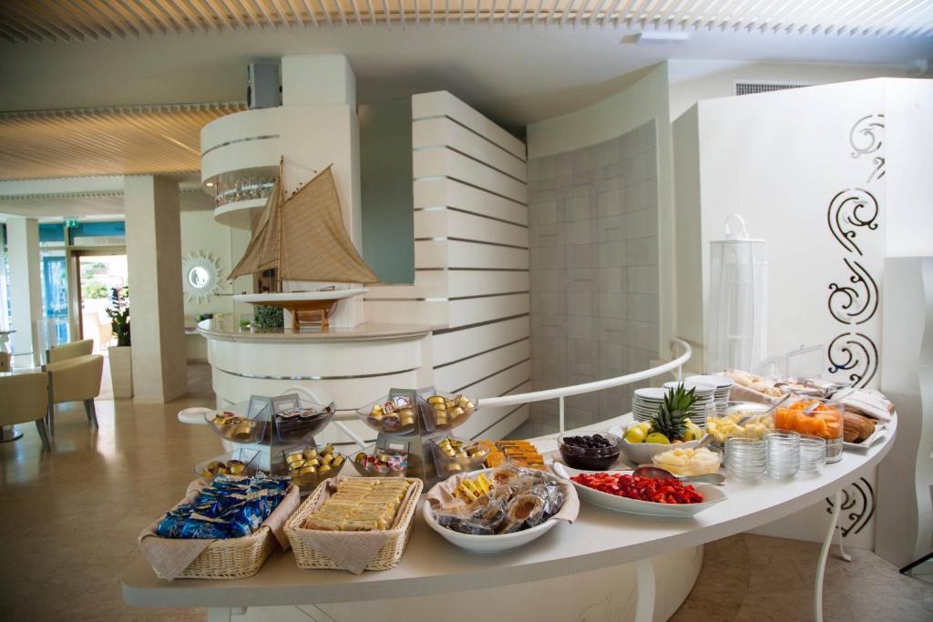 Hotel Mon Cheri Riccione Booking