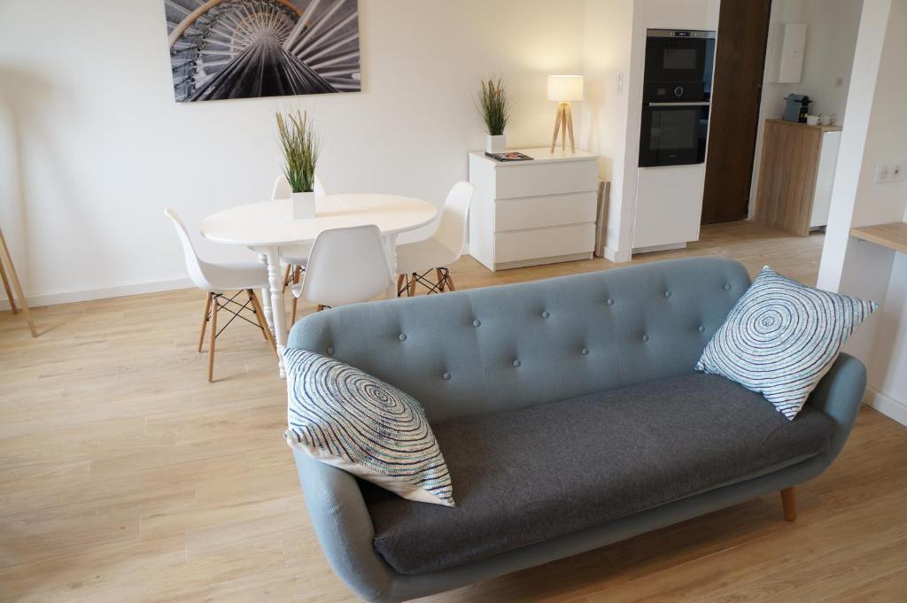 appartement design scandinave vue sur mer locations de. Black Bedroom Furniture Sets. Home Design Ideas