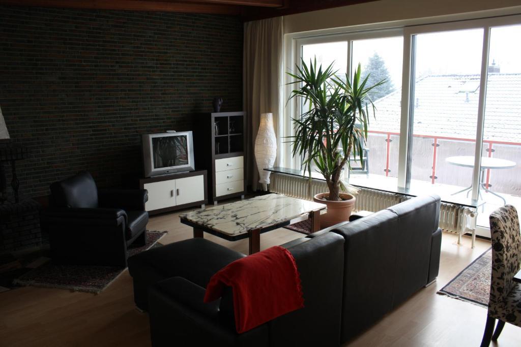 hotel zum k hlen grunde minden informationen und buchungen online viamichelin. Black Bedroom Furniture Sets. Home Design Ideas