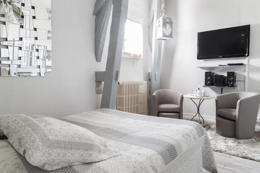 chambres d 39 h tes la villa de la paix troyes reserva tu hotel con viamichelin. Black Bedroom Furniture Sets. Home Design Ideas