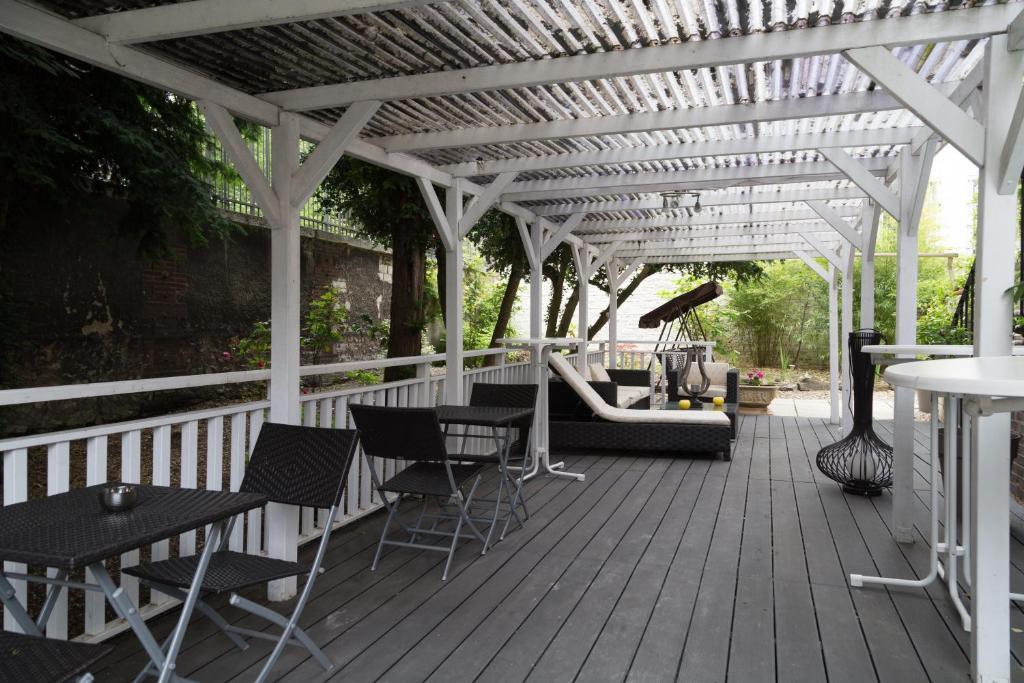 chambres d 39 h tes la villa de la paix chambres d 39 h tes troyes. Black Bedroom Furniture Sets. Home Design Ideas