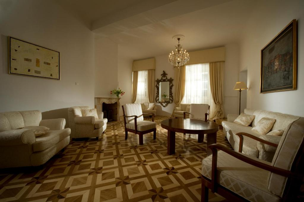 Antiq palace small luxury hotels of the world for Small leading hotels