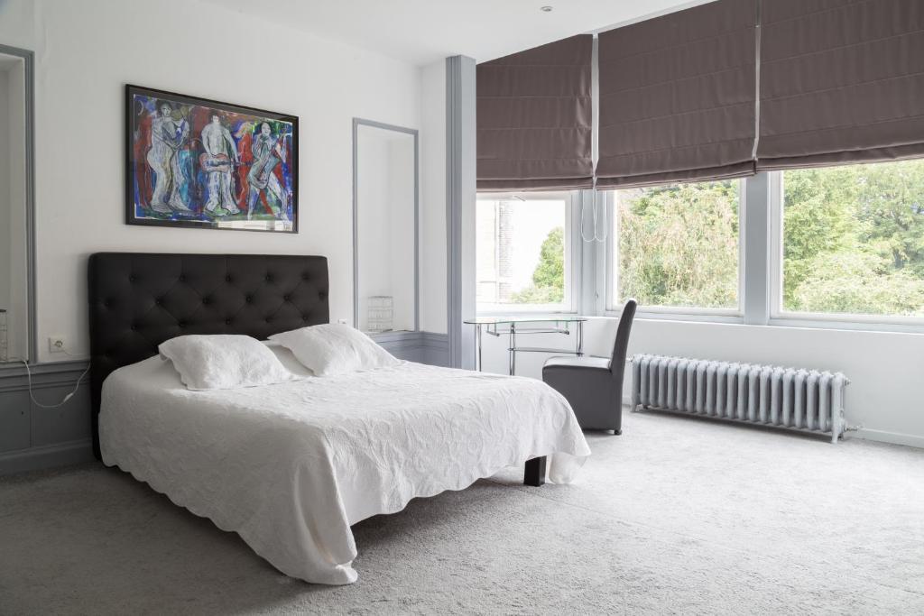 chambres d 39 h tes la demeure d 39 eirene g stezimmer troyes. Black Bedroom Furniture Sets. Home Design Ideas