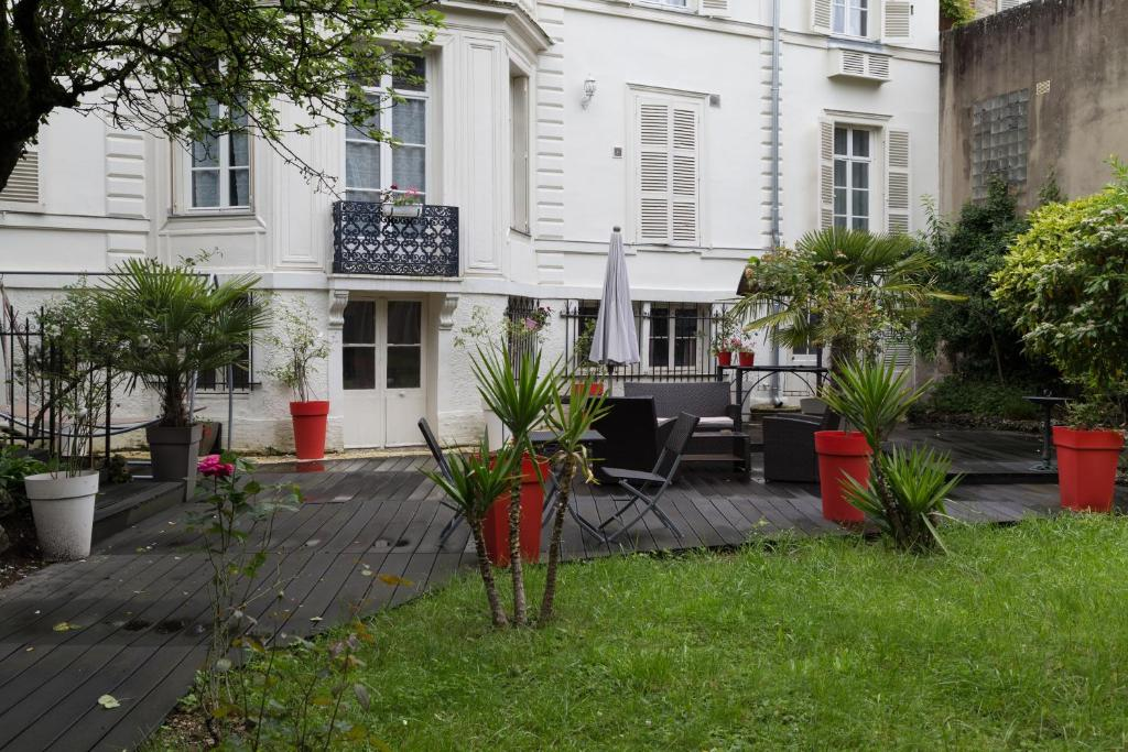 chambres d 39 h tes la demeure d 39 eirene chambres d 39 h tes troyes. Black Bedroom Furniture Sets. Home Design Ideas