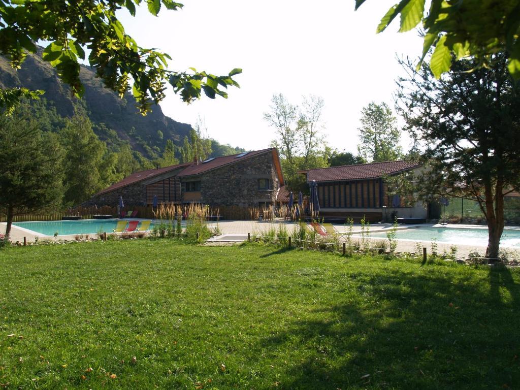 Cosycamp parcs r sidentiels de loisirs chamali res sur for Chamalieres piscine