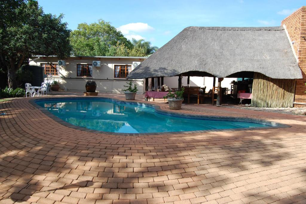 Chambres d 39 h tes die rooi windpomp chambres d 39 h tes polokwane for Chambre hote die