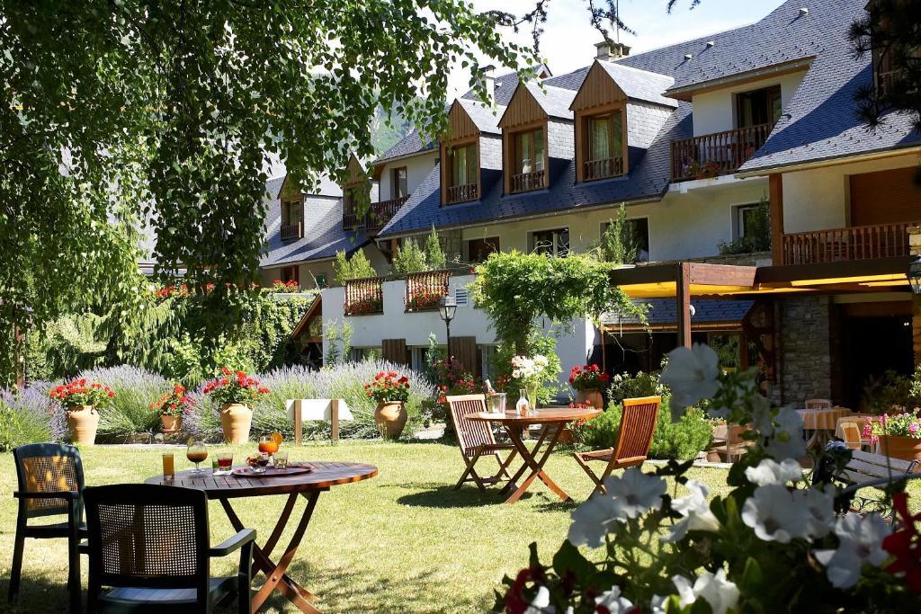 Hotel Saint Lary Soulan  Etoiles