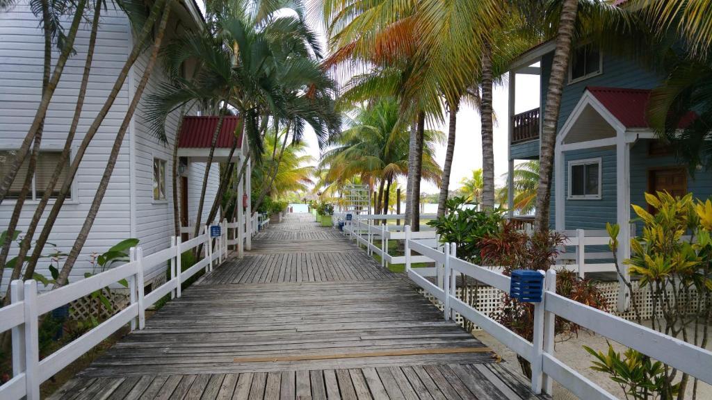Hotel ejecutivo las palmas beach chambres d 39 h tes dixon cove for Hotel villas las palmas texcoco