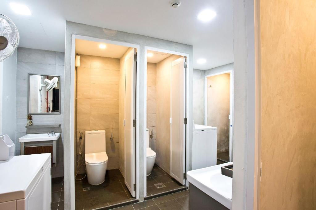 7 wonders boutique capsule singapur reserva tu hotel for Colgador jabon ducha