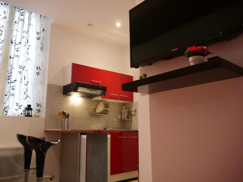Appartement victoire locations de vacances bordeaux - Ustensiles de cuisine bordeaux ...