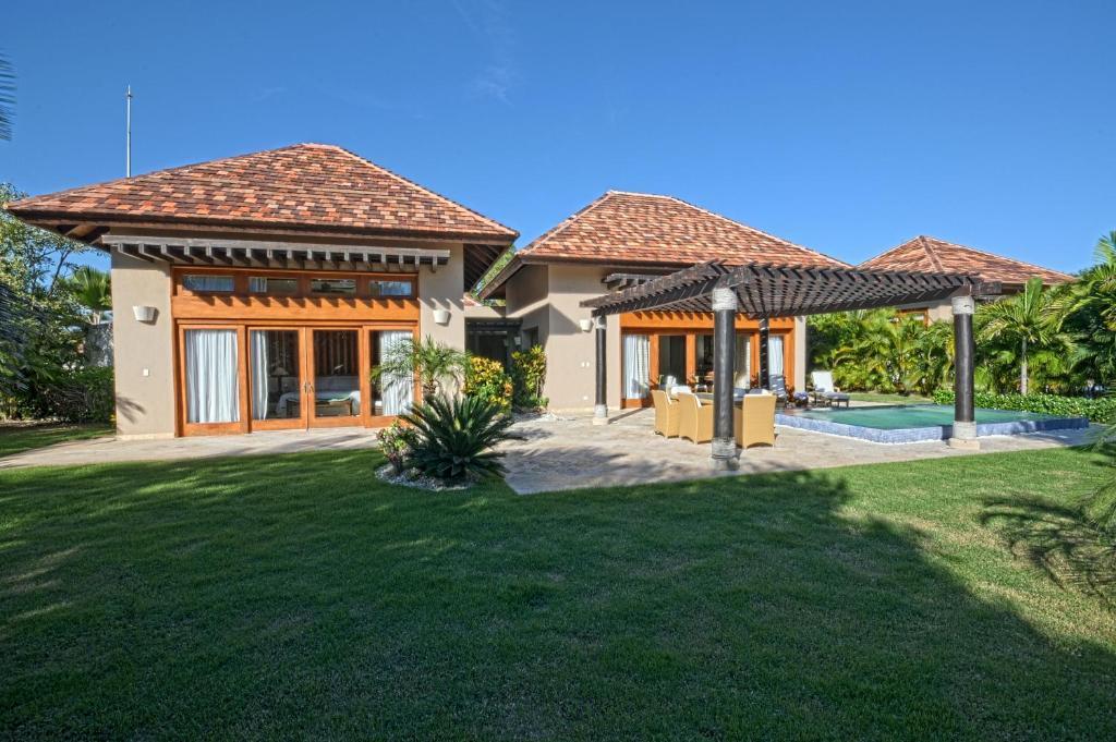 The villas at cap cana by alsol punta cana dominican for Villas en punta cana