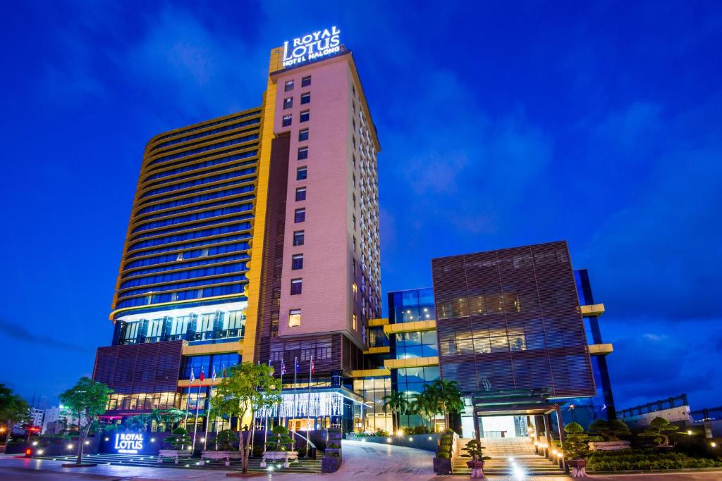 Khách Sạn Royal Lotus