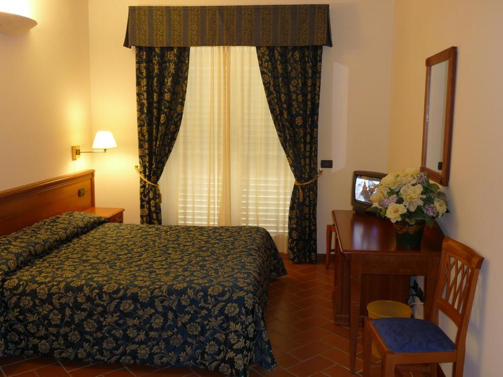 Hotel Villa Dei Bosconi Book