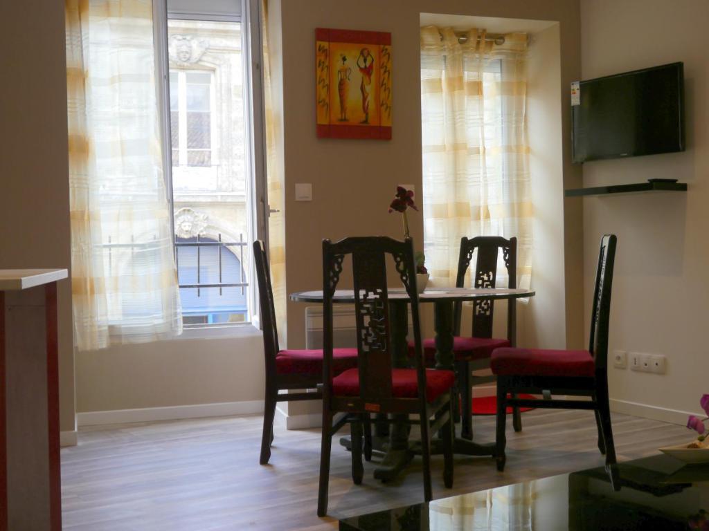 Appartement victoire locations de vacances bordeaux for Location appartement t2 bordeaux victoire