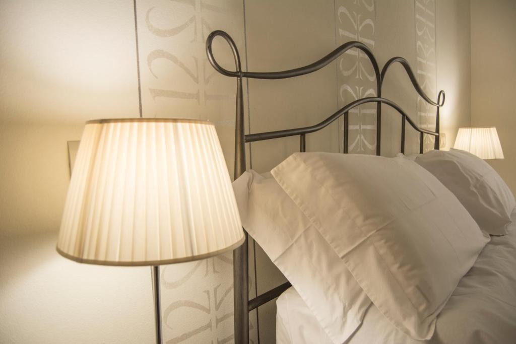 Numero dodici appartamento beta siena book your hotel for Hotel numero