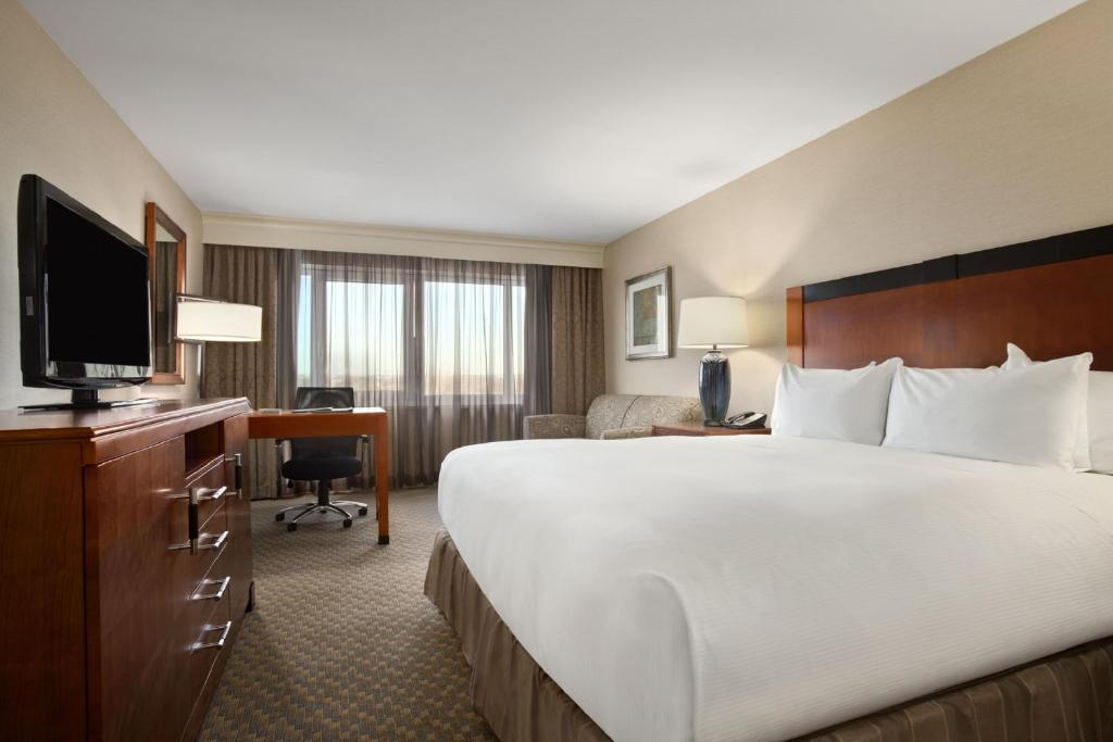 Hilton new york jfk airport hotel hempstead book your for Hotels near jf kennedy airport