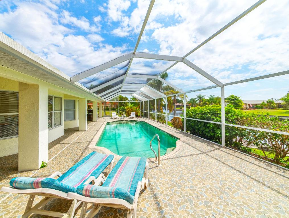 Villa Rosa Florida - Casa de vacaciones en Cape Coral (Florida ...