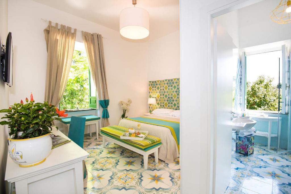Relais correale rooms garden sorrento book your for Garden rooms b q