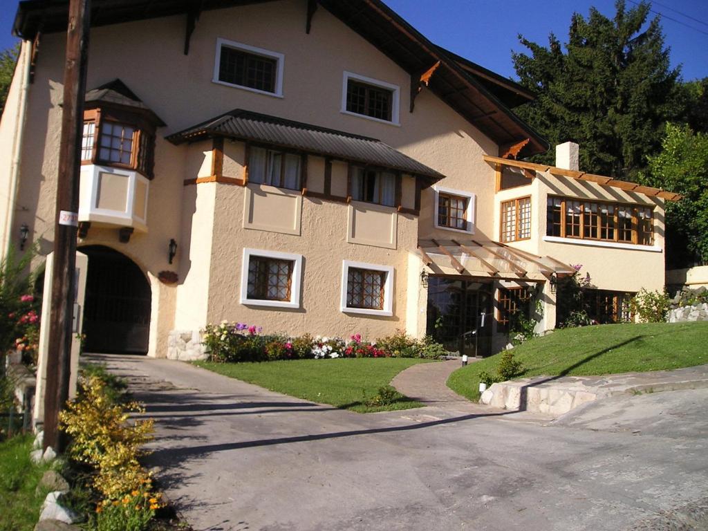 Las marianas hotel san carlos de bariloche reserva tu for Jardin 61 bariloche