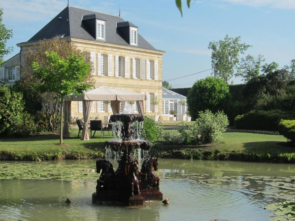 Ch teau beau jardin lesparre m doc book your hotel for Restaurant le beau jardin