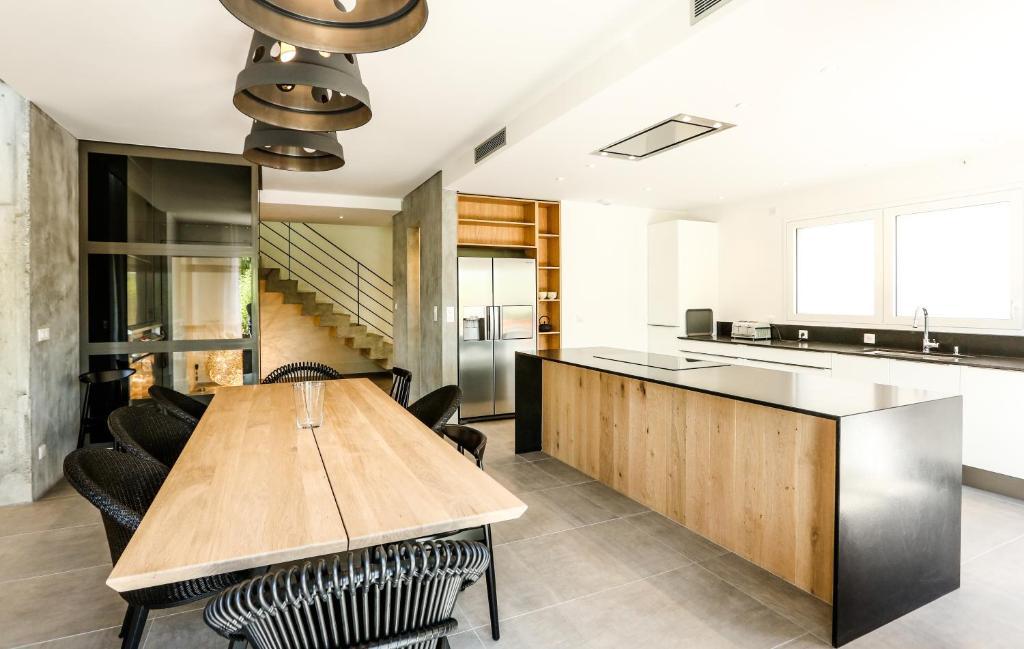 le kube annecy centre villas prestige annecy reserva tu hotel con viamichelin. Black Bedroom Furniture Sets. Home Design Ideas