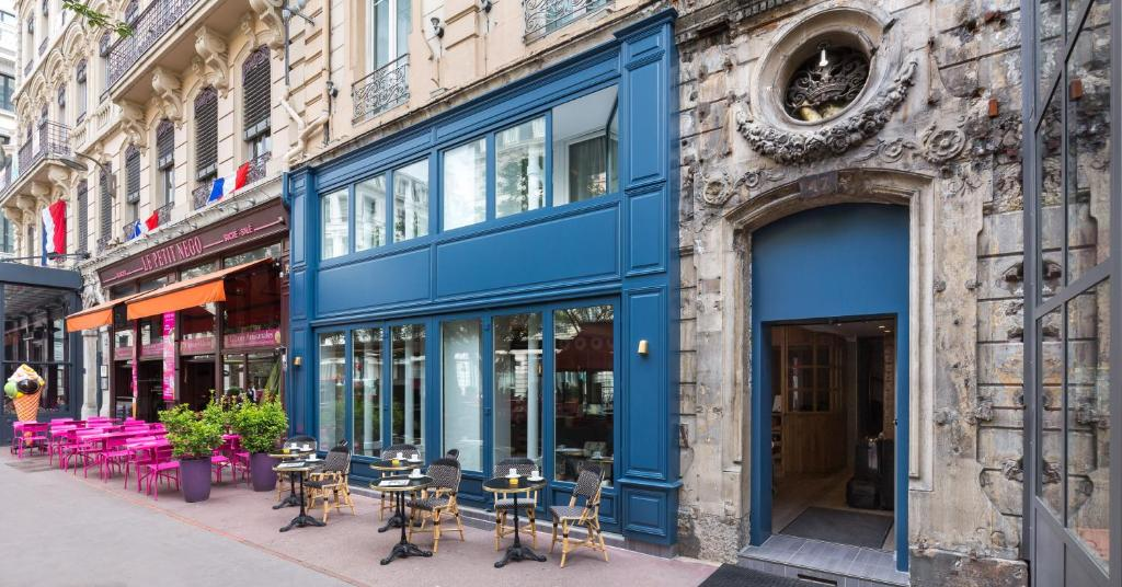 H tel silky by happyculture lyons book your hotel with for Hotels 69002 lyon