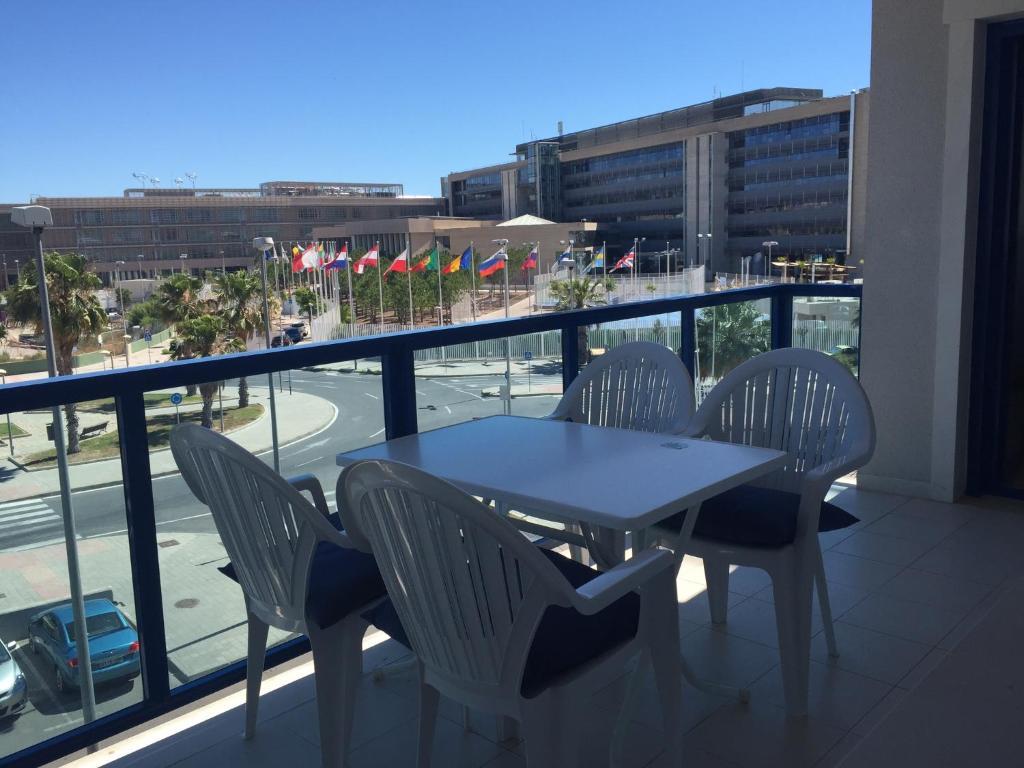 Alicante mar alicante reserva tu hotel con viamichelin for Hoteles familiares alicante