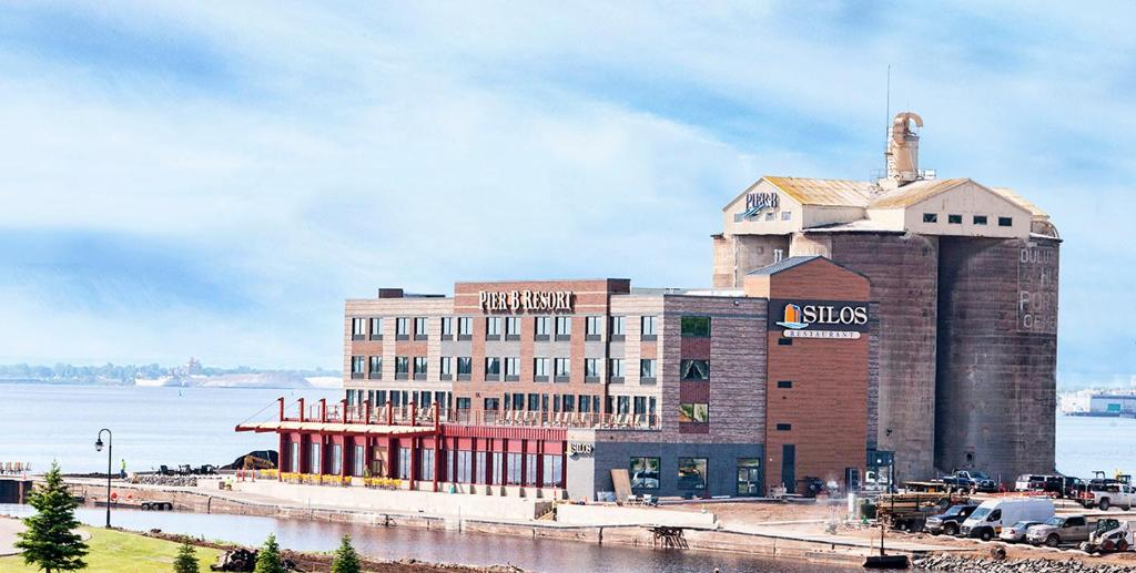 Pier b resort r servation gratuite sur viamichelin for A le salon duluth mn