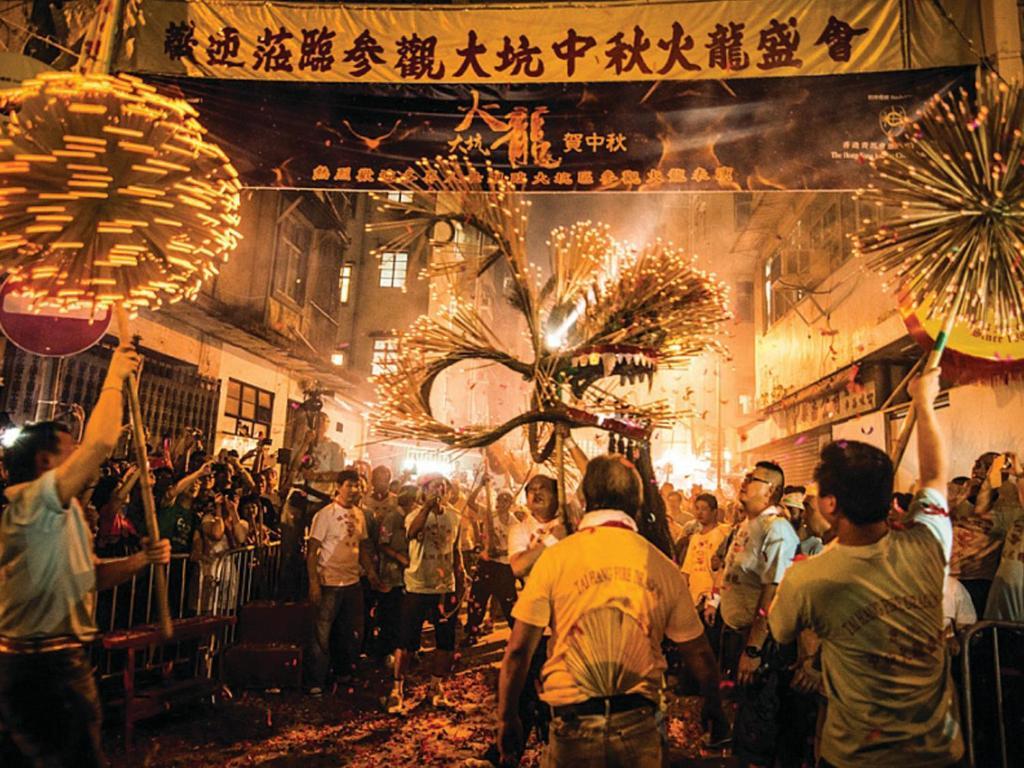 Renaissance Hong Kong Harbour View Hotel - Hotels & Resorts