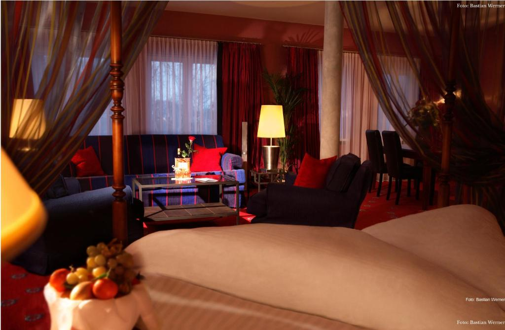 hotel bei schumann restaurants spa tempel gro postwitz o l book your hotel with viamichelin. Black Bedroom Furniture Sets. Home Design Ideas