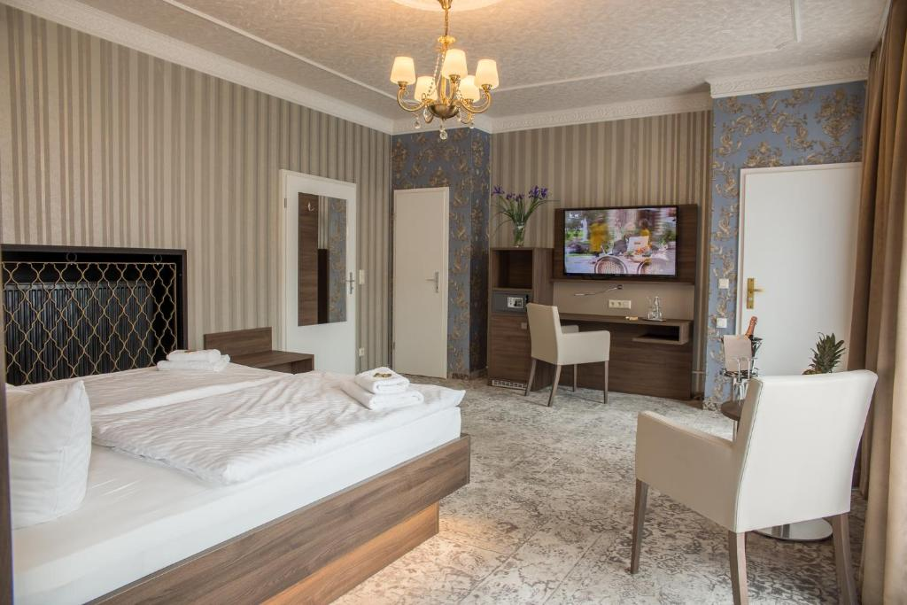 Hotel Schwarzer Adler Lange Str   Tangermunde Deutschland