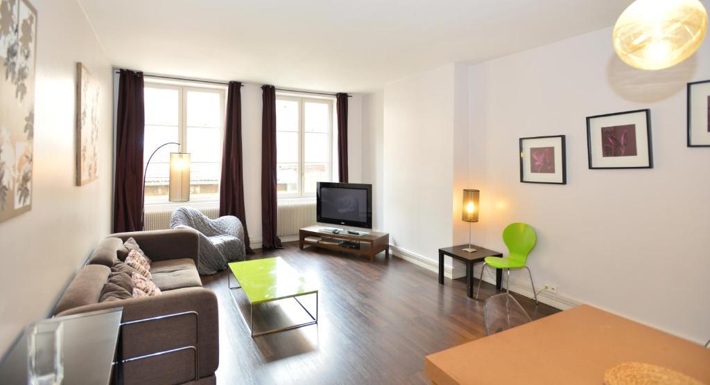 Appartement appart 39 morgon appartement lyon dans le for Appart hotel dans le 95