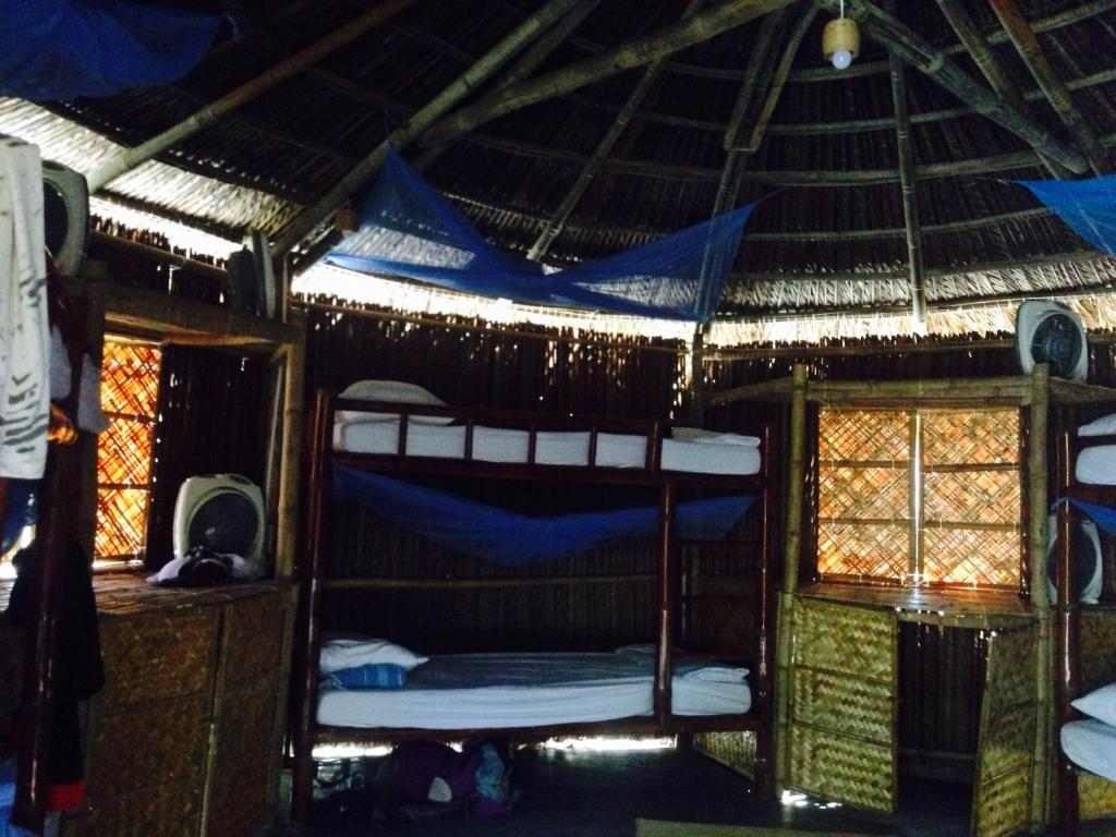 Giường trong Phòng ngủ tập thể cả Nam và Nữ 8 Người