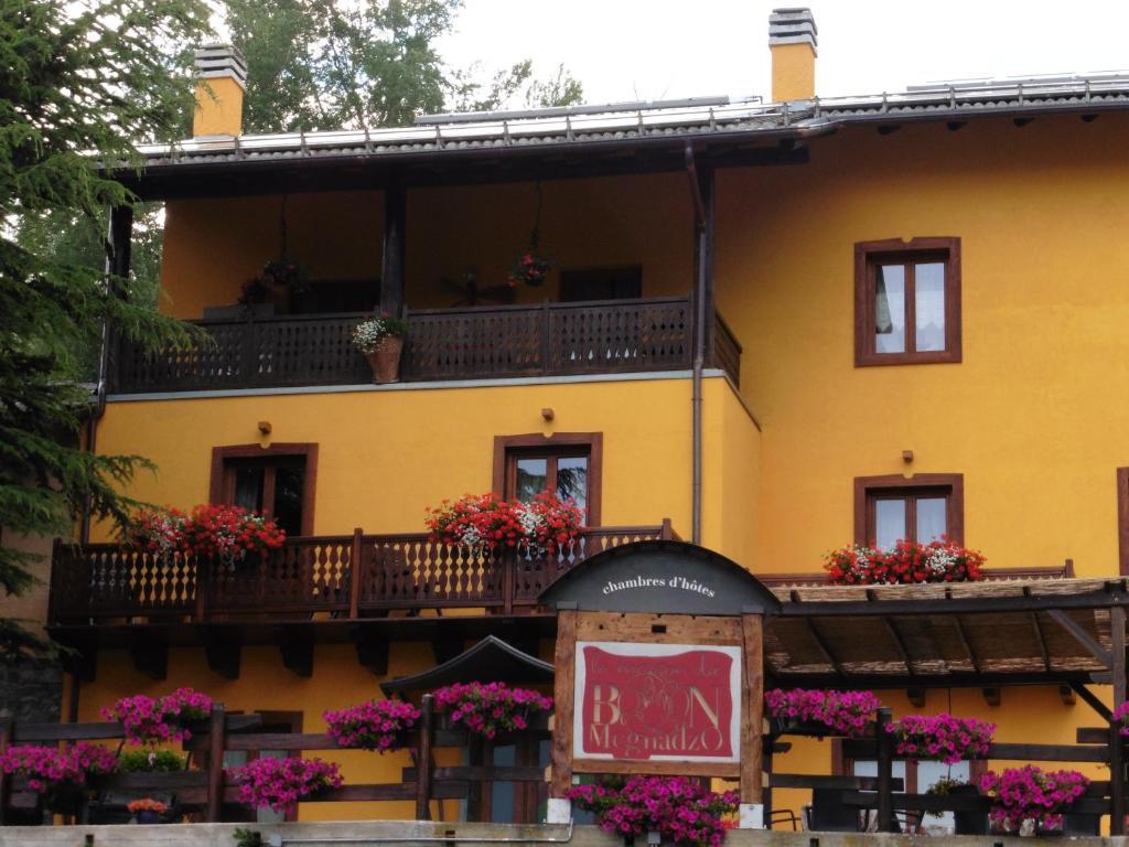 La maison du bon megnadzo aosta book your hotel with - La maison du kilim ...