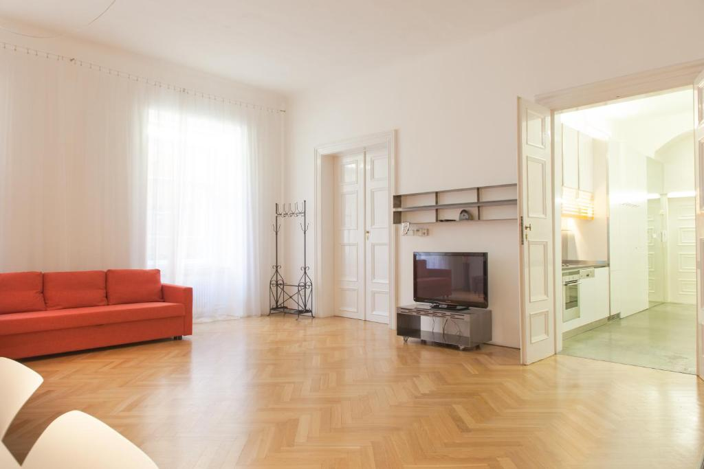 Design old town apartment prague book your hotel with for Designer apartment prague