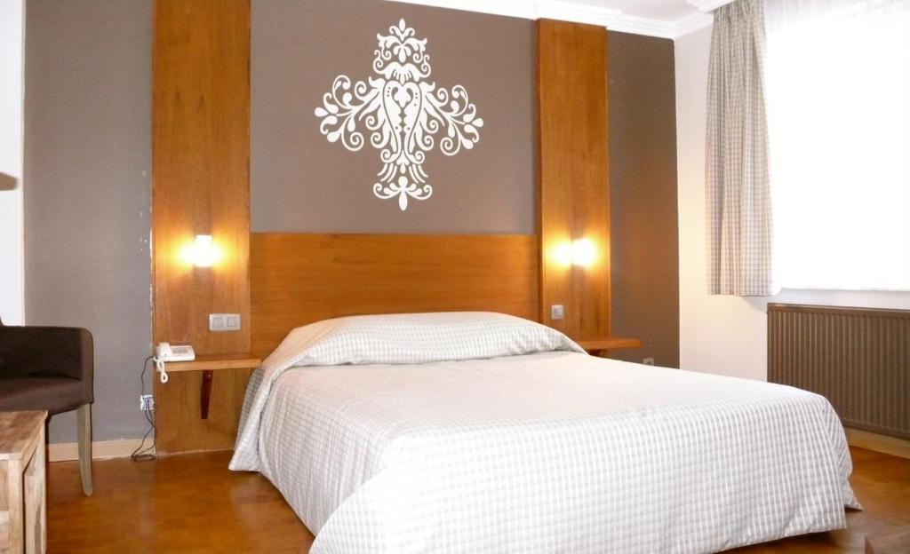 Hotel Le Joli Bois Waterloo book your hotel with ViaMichelin # Hotel Du Joli Bois