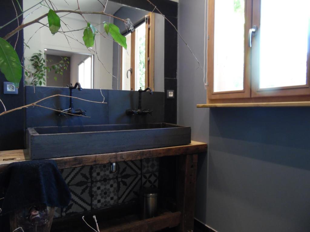 Le jardin suspendu gignac book your hotel with viamichelin for Restaurant le jardin geneve