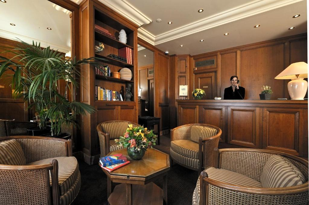 Hotel Cl 233 Ment Paris Book Your Hotel With Viamichelin